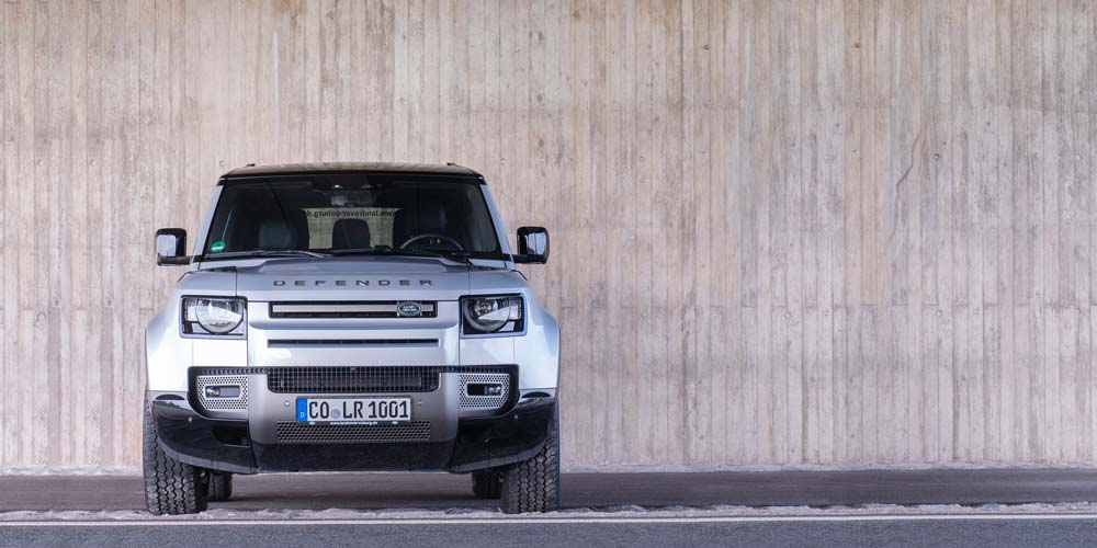 Land Rover Defender 90 D300 X-Dynamic S Gesicht
