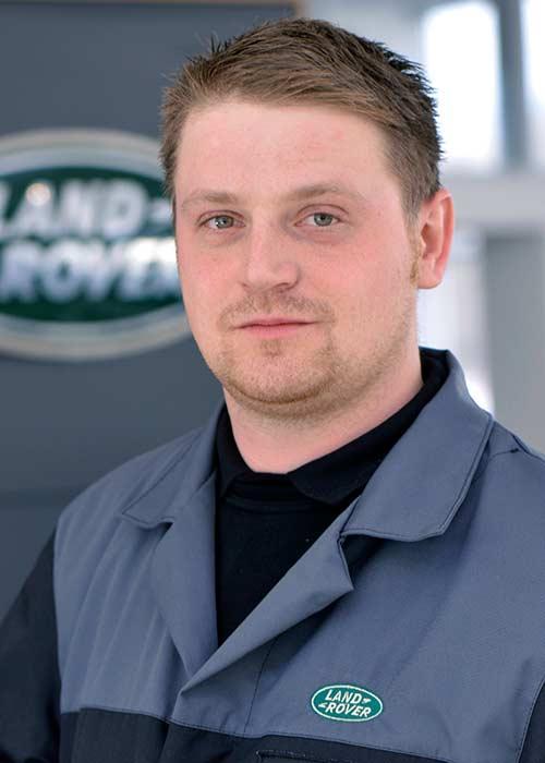 Kristian Müller, Service-Berater, World of Defender
